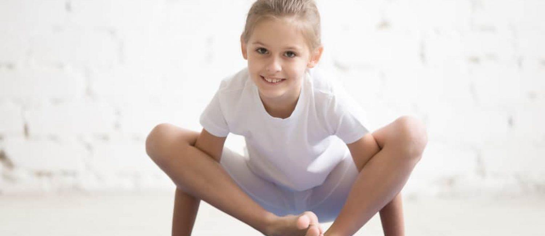 Fortgeschrittene Kinderyoga Übung Yoga für Kinder