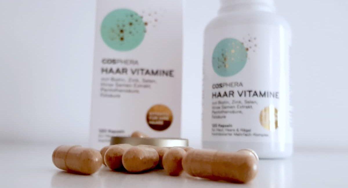 cosphera Haar Vitamine Kapseln offen vor Dose und Verpackung von unten