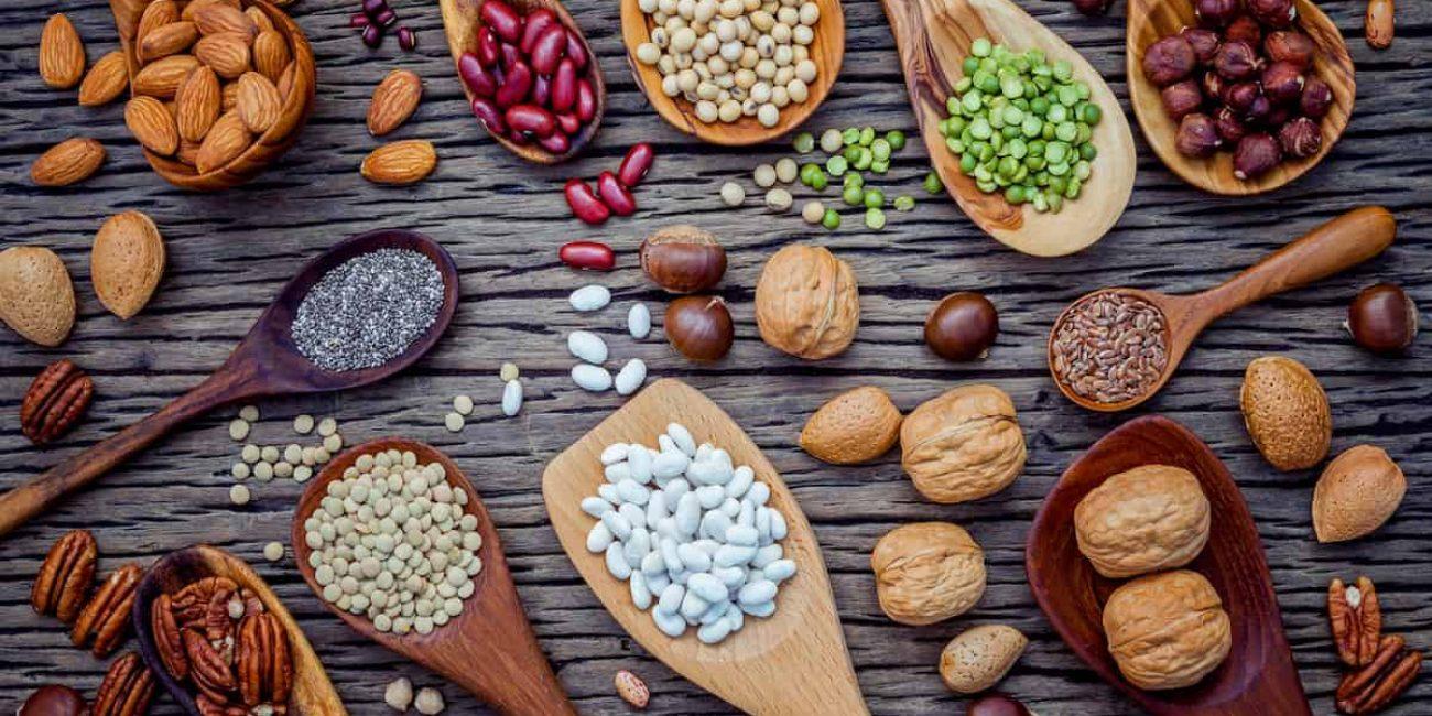ernaehrung ausgewogen gesund nuesse erbsen bohnen healthy food